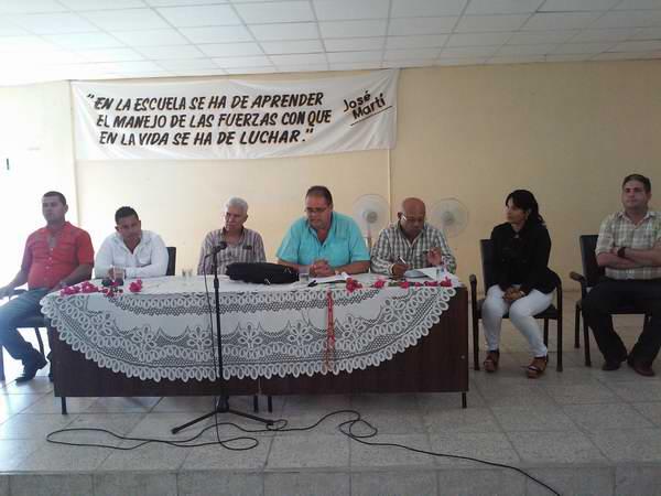https://siempremaestro.files.wordpress.com/2017/12/encuentro-por-el-dia-del-educador-foto-jm-olivares-chavez3.jpg?w=604